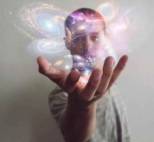 Нужно помнить — наше подсознание тесно связано со Вселенной, а Вселенная является генератором идей. Каждую мысль она фиксирует как наше желание и материализует её. Фото: Lauro Roger McAllister/flickr.com