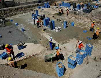 Игровые фигурки возрастом 5000 лет найдены в Турции. Учёные пришли к мнению, что они были сделаны в 3100 – 2900 годах до нашей эры и использовались для настольной игры. Это редчайшая находка. Фото: MUSTAFA OZER/AFP/Getty Images
