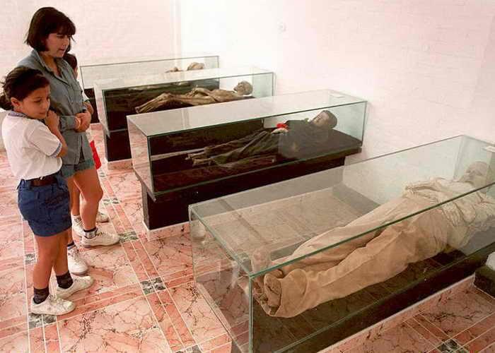 Музей мумифицированных трупов есть в колумбийском городе Сан-Бернардо. Фото: STR/AFP/Getty Images