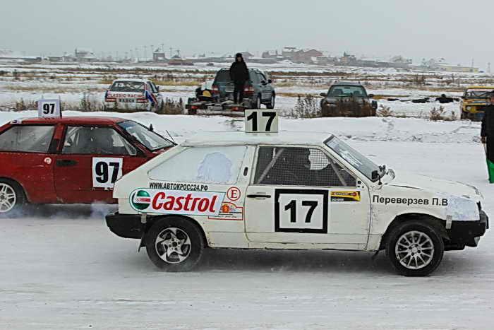 Открытый чемпионат Республики Хакасия по зимним трековым автомобильным гонкам, второй этап. Фото: Сергей Тугужеков/Великая Эпоха (The Epoch Times)