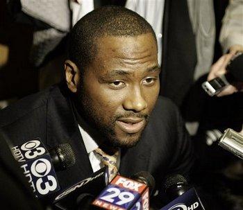 Элтон Брэнд: «Если локаут в НБА закончится к январю, я буду готов!» Фото с blog.pennlive.com