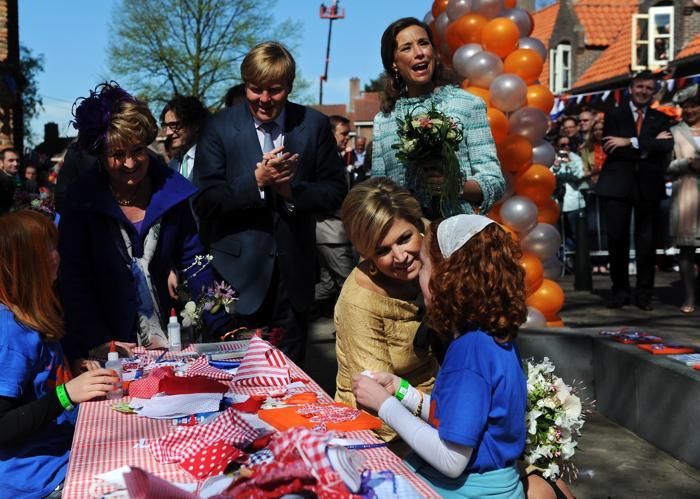 День королевы в Нидерландах. Принцессы Нидерландов Максима (Maxima) и Маргрэт (Margriet) и принц Уильям-Александр  (Willem-Alexander). Фоторепортаж. Фото: Jasper Juinen/Getty Images