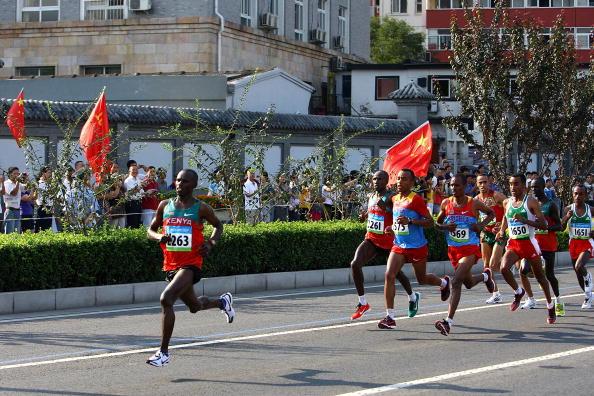 Фоторепортаж о Самюэле Ванджиру  - легендарном кенийском олимпийском чемпионе по марафону. Фото: Paul Gilham/Mark Dadswell/ JIJI PRESS /CARL DE SOUZA /BEN STANSALL/AFP/Getty Images