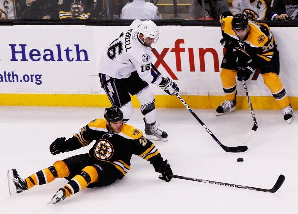 «Тампа-Бэй» выиграл у «Бостона» со счетом  5:2. Фоторепортаж с матча. Фото: Mike Stobe/Getty Images