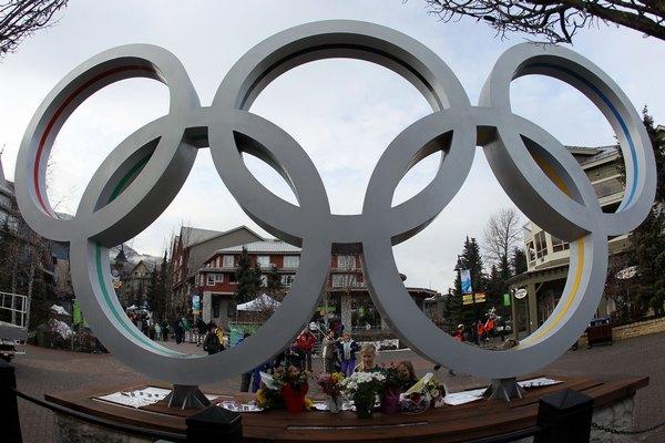 Я говорил сыну:Тормози! На месте трагедии, Канада, Ванкувер. Фото:  Doug Pensinger/Getty Images