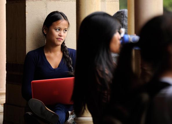 Студенты  в городке Калифорнийского университета в Лос-Анджелесе, штат Калифорния. Фоторепортаж. Фото: Kevork Djansezian/Getty Images