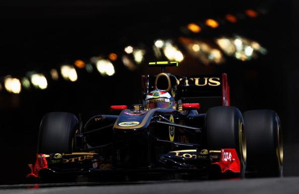 Виталий Петров, попавший в аварию на   Гран-при в Монако, выписан из больницы. Фото:  Paul Gilham/Vladimir Rys/Mark Thompson/ DIMITAR DILKOFF/AFP/Getty Images