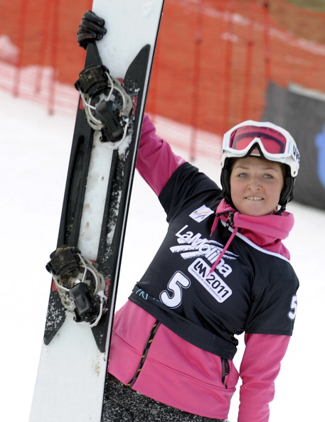 Золотую медаль по сноуборду завоевала Алена Заварзина из России. Фото: AVIER SORIANO/AFP/Getty Images