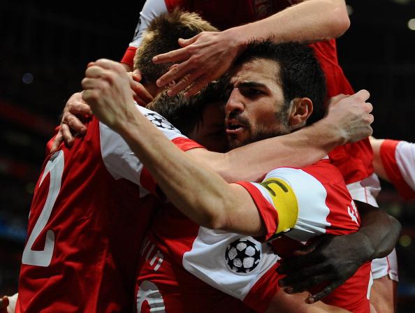 «Арсенал»  выиграл у  «Барселоны»  - 2:1 . Победный гол забил Андрей Аршавин. Фото: ADRIAN DENNIS/LLUIS GENE/AFP/Getty Images