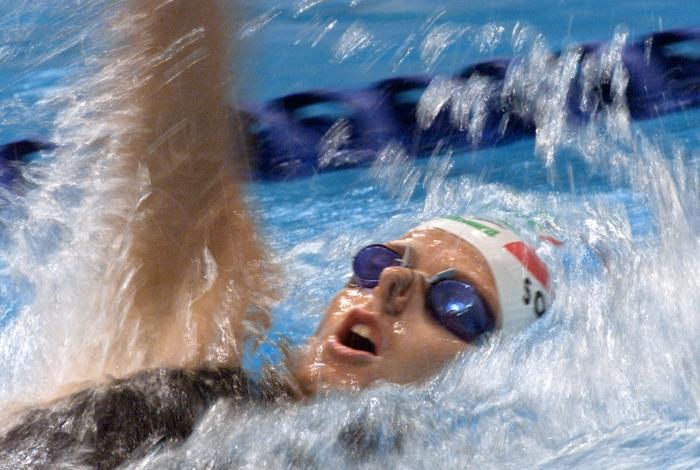 Олимпиада — главные игры для Шарлин. Шарлин Уиттсток на соревнованиях по плаванию в 2000 году.  Фото:  GREG WOOD/AFP/Getty Images