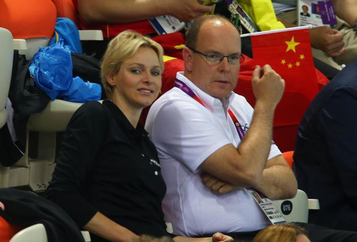 Олимпиада — главные игры для Шарлин.  Принцесса Монако Шарлин и принц  Альберт II на Олимпийских играх в Лондоне. Фото:  Alexander Hassenstein/Getty Images