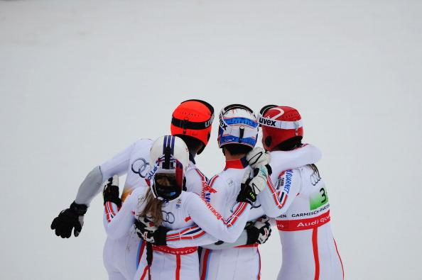На чемпионате мира по горным лыжам (FIS) в командных соревнованиях Франция завоевала золотую медаль, Австрия -  серебряную медаль и  Швеция  -  бронзовую медаль. Фото: Christophe Pallot/Agence/Clive Mason/Lars Baron/Sandra Montanez/Bongarts/Getty Images