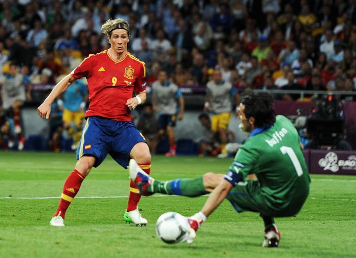 видео гол хуана маты на финале евро 2012: