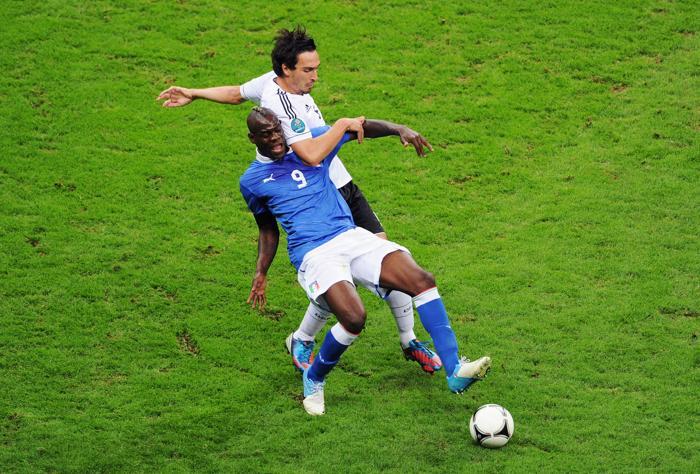Дубль Марио Балотелли вывел Италию в финал Евро-2012. Фоторепортаж и видео с матча. Фото:  Alex Grimm/Getty Images