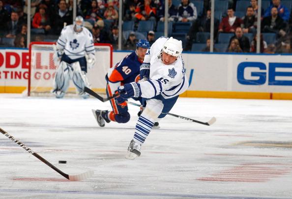 Николай Кулемин принес победу «Торонто Мейпл Лифс» в матче с «Нью-Йорк Айлендерс». Фоторепортаж. Фото: Lou Capozzola/Getty Images