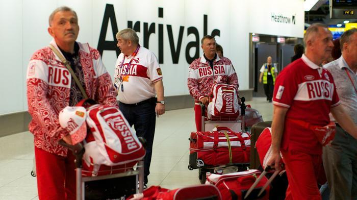 Члены олимпийской сборной России по парусному спорту одними из первых прибыли в Лондон. Фоторепортаж. Фото: Andrew Cowie/AFP/GettyImages