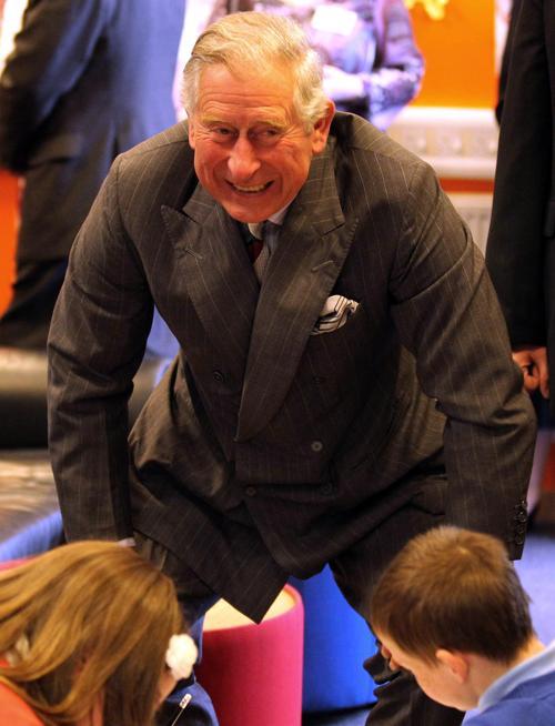 Принц Чарльз посетил молодёжный центр в шотландском Килмарноке. Фоторепортаж. Фото: Andrew Milligan - WPA Pool/Getty Images