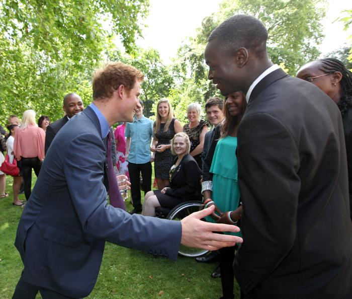 Принц Гарри принимал молодых спортсменов в Clarence House в Лондоне. Фоторепортаж. Фото: Jon Bon - WPA Pool/Getty Images