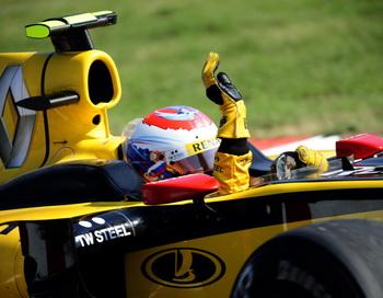 Виталий Петров занял 5-е место на Гран-при Венгрии. Фото: Attila KISBENEDEK/AFP/Getty Images