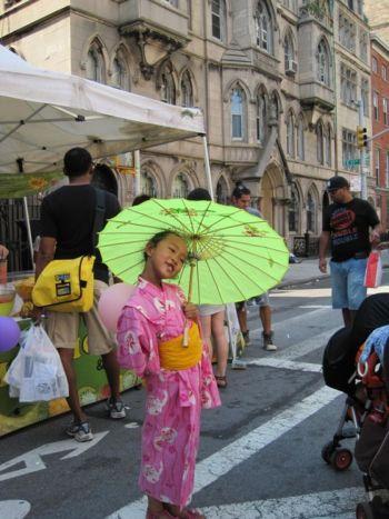 Девочка в кимоно, традиционной японской одежде. Фото: ВЭНЬ ЧЖУН/Великая Эпоха/The Epoch Times