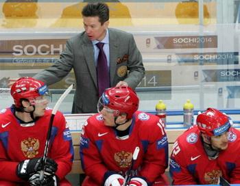 Вячеслав Быков-главный тренер сборной России по хоккею.  Фото: Dima KOROTAYEV/Bongarts/Getty Images