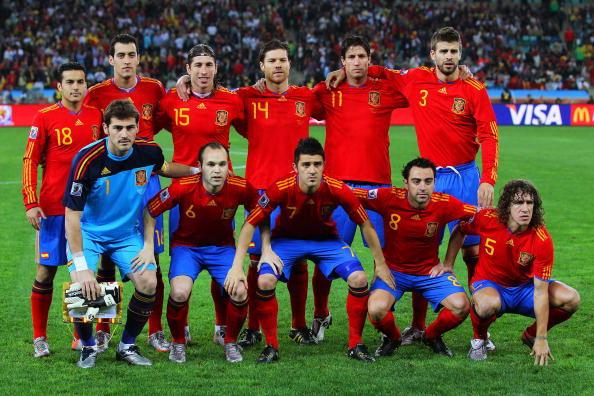 Сборная Испании. Фото: Clive ROSE /AFP/Getty Images