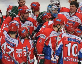 Сборная России по хоккею возглавила мировой рейтинг IIHF перед Олимпиадой. Фото:  ALEXANDER NEMENOV/AFP/Getty Images