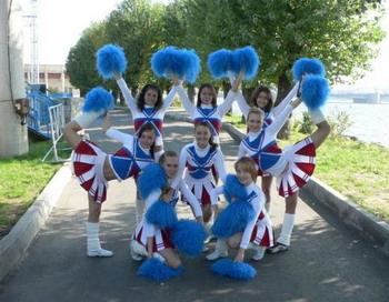 Талисманом Сочи-2014 должны стать живые черлидеры. Фото с сайта cheerleading.spb.ru