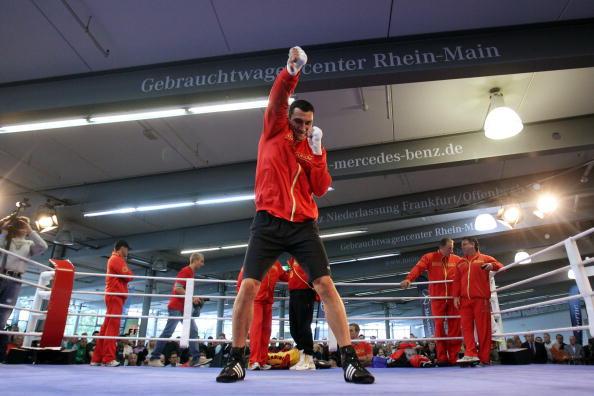 Владимир Кличко чемпион мира по боксу по версиям IBF, IBO и WBO. Фото: Alex GGIMM/Bongarts/Getty Images