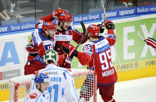 «Кубок Карьяла» 2010: сборная России по хоккею одержала первую победу. Фото: ANTTI AIMO-KOIVISTO/AFP/Getty Images