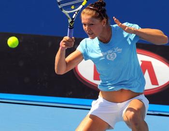 Среди российских теннисисток самый высокий номер посева - второй - получила Динара Сафина. Фото: PAUL CROCK/AFP/Getty Images