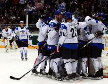 Cборная Финляндии нанесла поражение команде Белоруссии. Фото: Martin ROSE/Bongarts/Getty Images