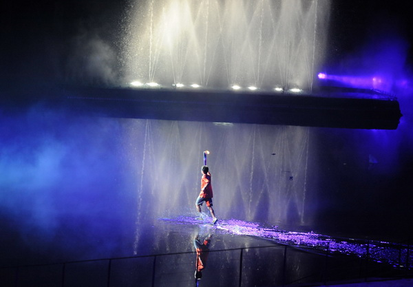Церемония открытия первых Юношеских Олимпийских игр в Сингапуре. Фоторепортаж. Фото: Mark DADSWELL, ROSLAN RAHMAN/Getty Images