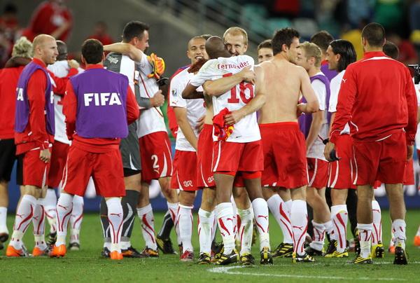 Кубок мира 2010. Швейцария – Испания 1:0. Фото: Karim JAAFAR, Jasper JUINEN/Getty Images