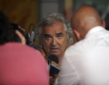 Экс-босс команды Renault добился отмены запрета на участие в соревнованиях