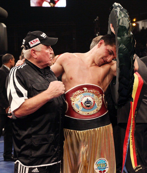 Марко Хук стал  чемпионом мира по боксу по версии WBO, победив Дениса Лебедева на арене Макс-Шмелинг 18 декабря 2010 года в Берлине, Германия. Фоторепортаж. Фото: Boris Streubel/Bongarts/Getty Images