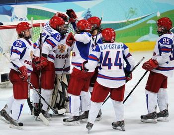 Женская сборная России по хоккею одержала победу в матче плей-офф. Фото: Harry HOW/Getty Images