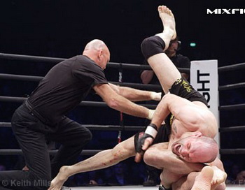 Фото с сайта mixfight.ru