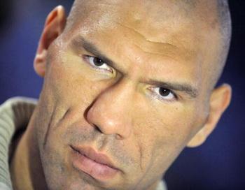 Операция Валуева может прервать спортивную карьеру боксера. Фото: JUSSI NUKARI/AFP/Getty Images