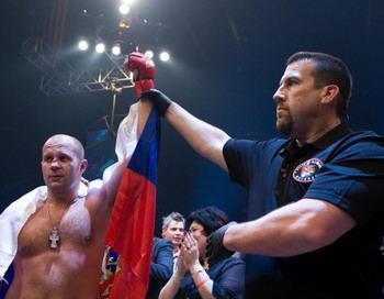Федор Емельяненко готовится к предстоящему бою в январе 2011. Фото с сайта mixfight.ru