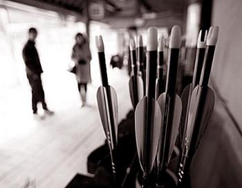 Древнее военное искусство: Стрельба из традиционного корейского лука - бамбукового, с глубоким изгибом. Фото: Джэррод ХОЛЛ. Великая Эпоха (The Epoch Times)