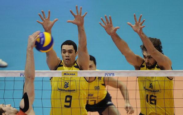 В финале Мировой лиги по волейболу Россия проиграла Бразилии. Фоторепортаж. Фото: Juan MABROMATA/AFP/Getty Images