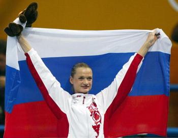 Светлана Хоркина - двукратная олимпийская чемпионка, трёхкратная абсолютная чемпионка мира и трёхкратная абсолютная чемпионка Европы. Фото: Martin ROSE/Bongarts/Getty Images