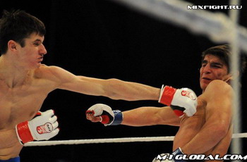 Бои без правил: M-1 Challenge 22 в Москве. Фото с сайта mixfight.ru