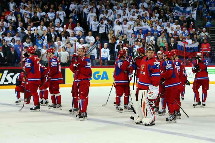 Второе поражение подряд потерпела сборная России на Чемпионате мира в Хельсинки, проиграли финской сборной  со счётом 2:3. Фото: Martin Rose/Bongarts/Getty Images