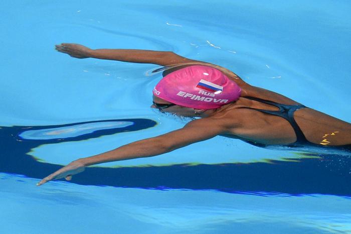 Российская пловчиха Юлия Ефимова стала первой в плавании брасом на дистанции 200 метров в Чемпионате мира по водным видам спорта 2 августа 2013 года в испанской Барселоне. Фото: JAVIER SORIANO/AFP/Getty Images
