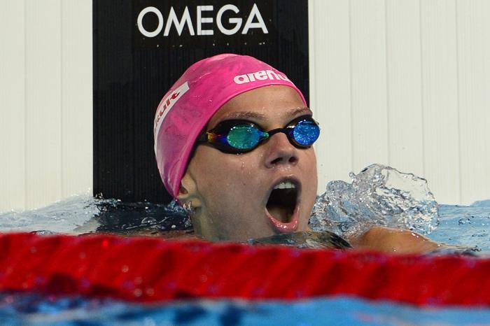 Российская пловчиха Юлия Ефимова стала первой в плавании брасом на дистанции 200 метров в Чемпионате мира по водным видам спорта 2 августа 2013 года в испанской Барселоне. Фото: LLUIS GENE/AFP/Getty Images