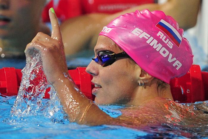 Российская пловчиха Юлия Ефимова стала первой в плавании брасом на дистанции 200 метров в Чемпионате мира по водным видам спорта 2 августа 2013 года в испанской Барселоне. Фото: JOSEP LAGO/AFP/Getty Images