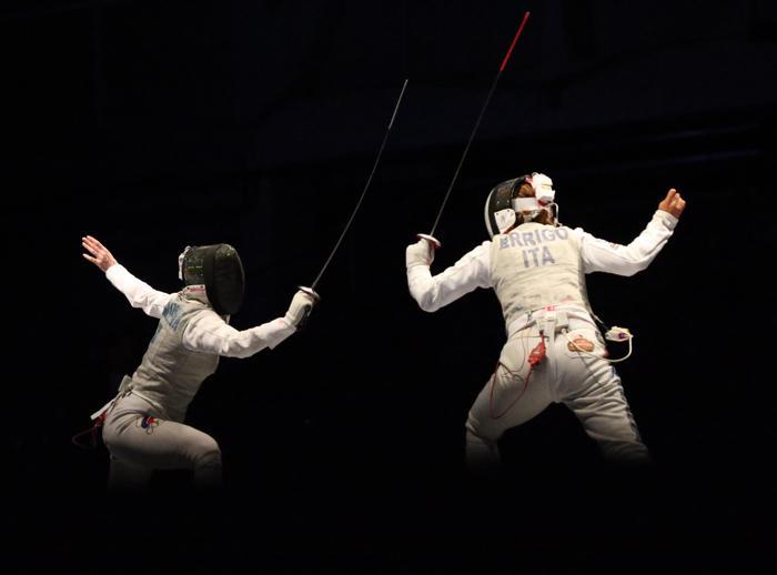 Первую медаль чемпионата для России завоевала 23-летняя рапиристка Инна Дериглазова, заняв третье место на Чемпионате мира по фехтованию 7 августа 2013 года. Фото: FERENC ISZA/AFP/Getty Images