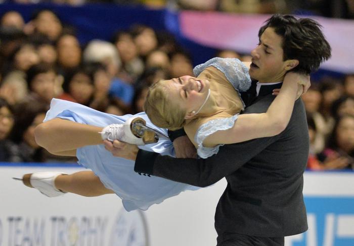 Кэйтлин Уивер и Эндрю Поже на командном Кубке мира в Токио. Фото: KAZUHIRO NOGI/AFP/Getty Images
